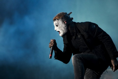 Slipknot's Corey Taylor discusses his band's upcoming tour with Marilyn Manson and looks back on a gross-out contest he had with the shock rocker in 2001. Photo: José Goulão/ CC BY-SA 2.0/ Wikimedia Commons